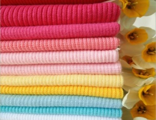 How to ensure the flexibility of flat rib knitted clothing ?